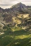 Alta valle di punta rocciosa in alte montagne di Tatra, Slovacchia, Europa di pleso di Popradske Fotografie Stock Libere da Diritti