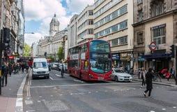 Alta via di Holborn a Londra Fotografie Stock Libere da Diritti
