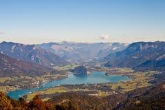 Alta vista alta del lago alpino Wolfgangsee Fotografia Stock Libera da Diritti