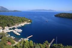 Alta vista de la bahía de Spartochori Imagenes de archivo