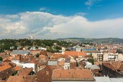 Alta vista de la ciudad de Cluj Napoca Fotografía de archivo libre de regalías