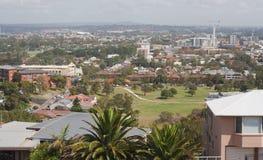 Alta vista del parco, della periferia e della costruzione Fotografia Stock Libera da Diritti