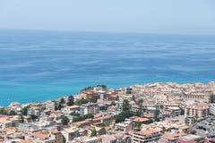 Alta vista della città di Tropea - Calabria, Italia Fotografia Stock