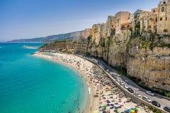 Alta vista della città di Tropea e della spiaggia - Calabria, Italia Immagine Stock Libera da Diritti