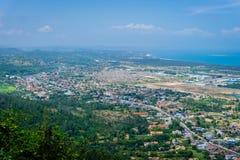 Alta vista della montagna di Chai di taglio della forma della città di TuyHoa Fotografia Stock