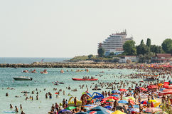 Alta vista della spiaggia della località di soggiorno di Costinesti Fotografia Stock