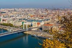 Alta vista delle costruzioni a Budapest durante il giorno Fotografia Stock