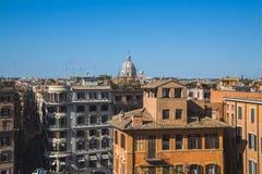 Alta vista delle costruzioni a Roma Immagini Stock