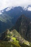 Alta vista delle rovine di Machu Picchu Fotografie Stock