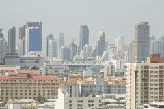 Alta vista di costruzione moderna Immagini Stock Libere da Diritti