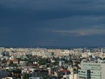 Alta vista di paesaggio urbano di crepuscolo di Bucarest Fotografie Stock
