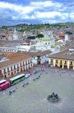 Alta vista di una plaza e di una città della chiesa Immagini Stock Libere da Diritti