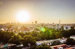 Alta vista su Bangkok durante il tramonto Immagine Stock