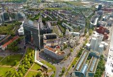 Alta vista superiore degli edifici per uffici della città da rimorchio di Dusseldorf il Reno Fotografia Stock Libera da Diritti