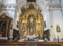 Altaarstuk en de koepel op de belangrijkste kapel van de kerk van Onze Dame van Gunst, Almeria, Andalusia, Spanje royalty-vrije stock foto