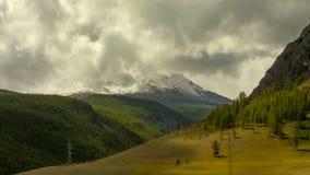 altai日持续山夏天 美好的高地横向 俄罗斯西伯利亚 Timelapse 股票视频
