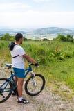 Altai dans la montagne sur le vélo Image stock