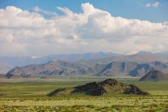 altai dzień trwać góry lato Średniogórze piękny krajobraz Mongolia obrazy stock
