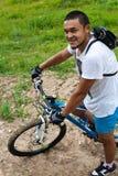 Altai i berget på cykeln Royaltyfri Fotografi