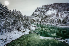 altai katun山河俄国 风景一个的冬天 免版税库存图片