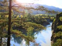 Altai, Katun-Fluss lizenzfreie stockfotos