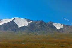 altaidagar sist bergsommar Härlig höglands- liggande Mongoliet Arkivbilder