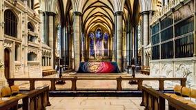 Altar alto da catedral de Salisbúria fotos de stock