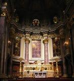 Altar berlinés de los Dom Foto de archivo libre de regalías
