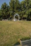 Altar casado no jardim do mar em Varna imagem de stock royalty free