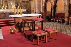 Altar católico en iglesia Fotografía de archivo