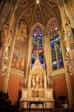 Altar cristiano en una catedral en Viena foto de archivo
