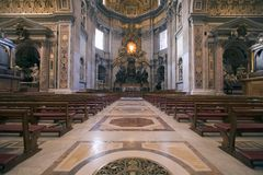 Altar da basílica de Peters de Saint foto de stock