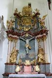 Altar da cruz santamente na igreja da concepção imaculada em Lepoglava, Croácia Fotografia de Stock