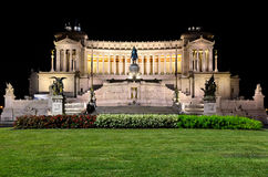 Altar da pátria na noite em Roma Fotografia de Stock