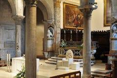 Altar de la iglesia Imagen de archivo libre de regalías