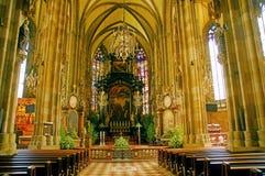 Altar de la iglesia Imágenes de archivo libres de regalías