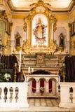 Altar de la iglesia católica en Francia Imágenes de archivo libres de regalías
