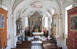 Altar de la iglesia del St Korbinian im Thal, Assling Imagen de archivo libre de regalías