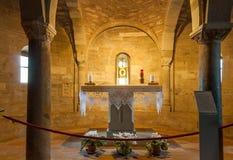 Altar in der alten Kirche San Leo Stockbild