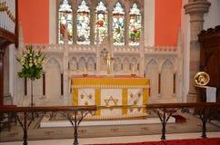 Altar an der Gemeinde-Kirche der Heiligen Dreifaltigkeit Stockfotos