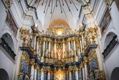 Altar der katholischen Kirche Lizenzfreie Stockfotos