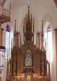 Altar in der katholischen Kirche Stockfoto