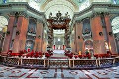 Altar der Kirche stockbild