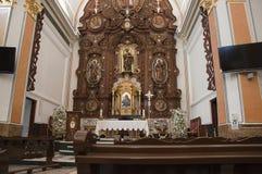 Altar der Kirche in Benidorm Stockfotos