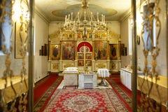 Altar in der russischen orthodoxen Kirche Stockfotografie