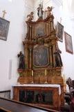 Altar des Heiligen Franziskus von Assisi in der Kirche von St Leonard von Noblac in Kotari, Kroatien Stockfotografie