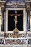 Altar des heiligen Kreuzes, Franziskanerkirche der Mönche gering in Dubrovnik Lizenzfreie Stockfotos