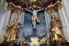 Altar des heiligen Kreuzes, Kirche der Unbefleckten Empfängnis von Jungfrau Maria in Lepoglava, Kroatien Lizenzfreie Stockbilder