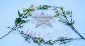 Altar do inverno para o Sabat de Imbolc imagem de stock royalty free