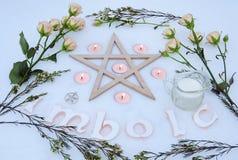 Altar do inverno para o Sabat de Imbolc fotografia de stock royalty free